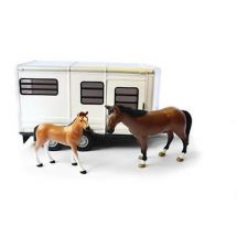 Britains Big Farm Horse Trailer With Horse & Foal  42846